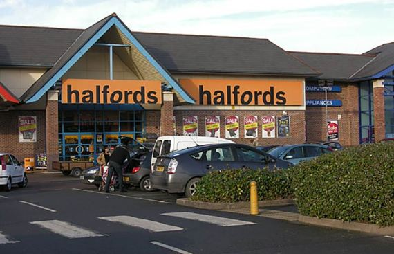 Halfords Survey Outside